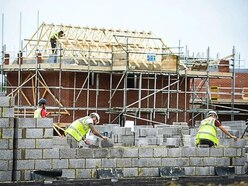 Working hours can be extended to 9pm on building sites, Government says