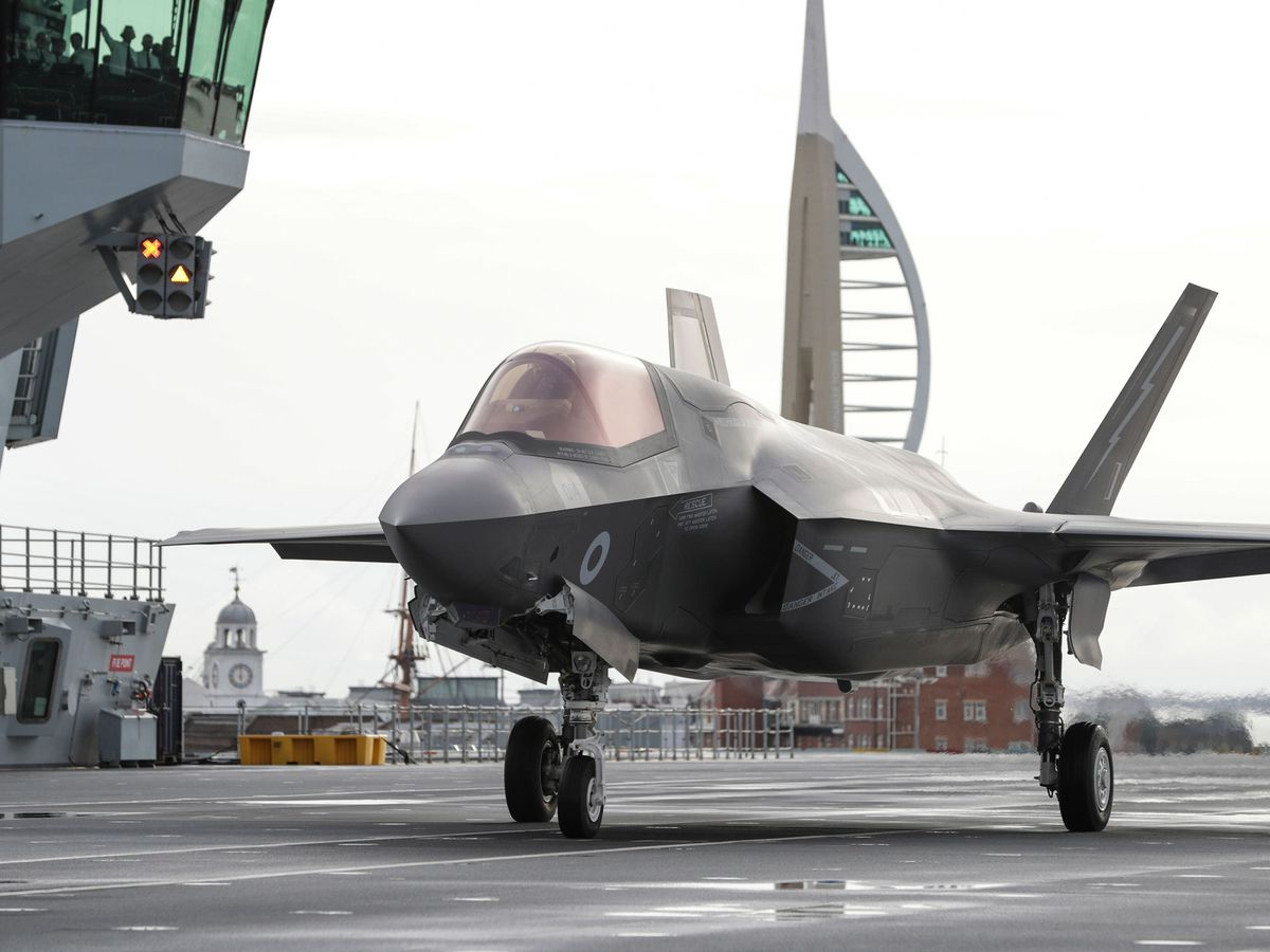 An RAF F35 preparing for take off from the Royal Navy aircraft carrier HMS Queen Elizabeth
