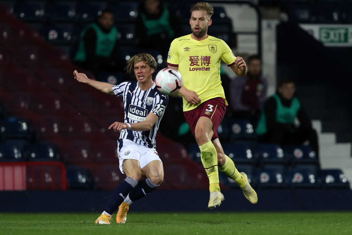 Conor Gallagher of West Bromwich Albion and Charlie Taylor of Burnley. (AMA)