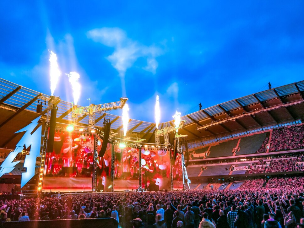 Metallica rock crowd at Manchester's Etihad Stadium - review with pictures