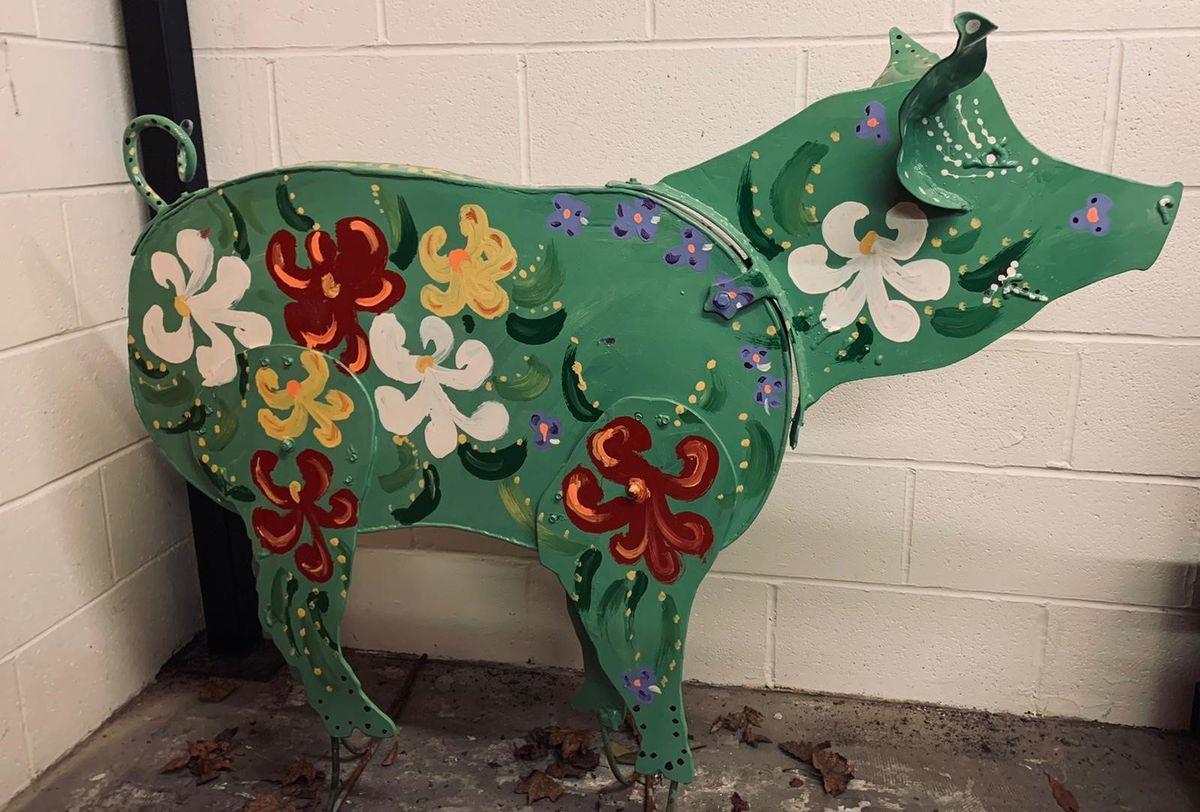 Another pig sculpture