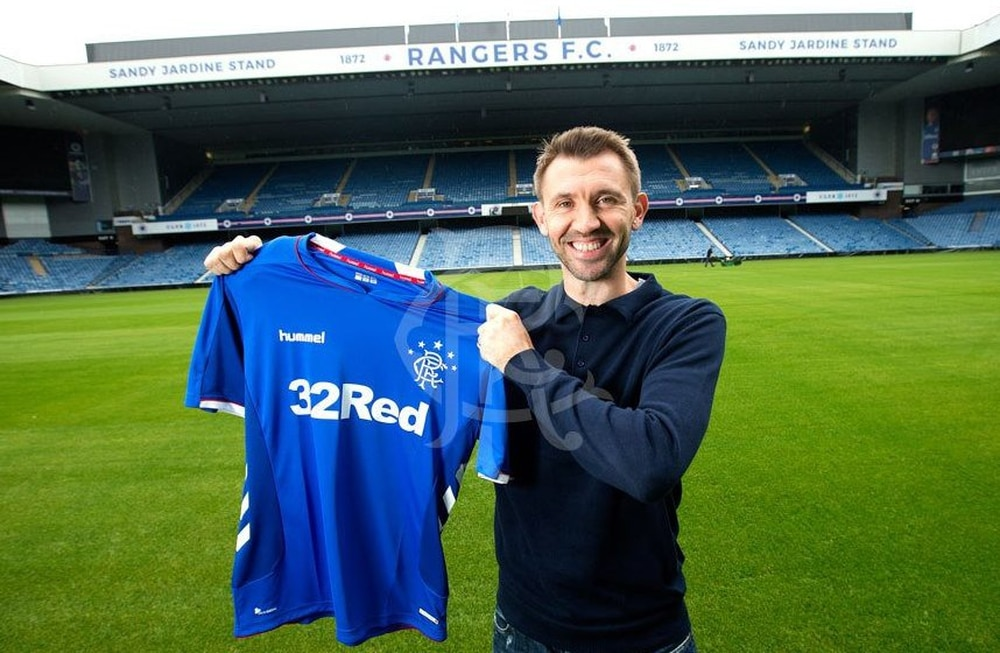 Gareth McAuley signs one-year deal at Steven Gerrard's Rangers