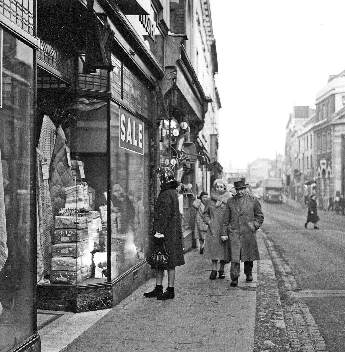 Dudley High Street in January 1958.