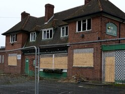 Demolish eyesore Walsall pub, say residents