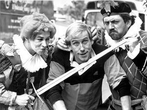 Dougie Parker, Mary Ellen and Yeoman Bill