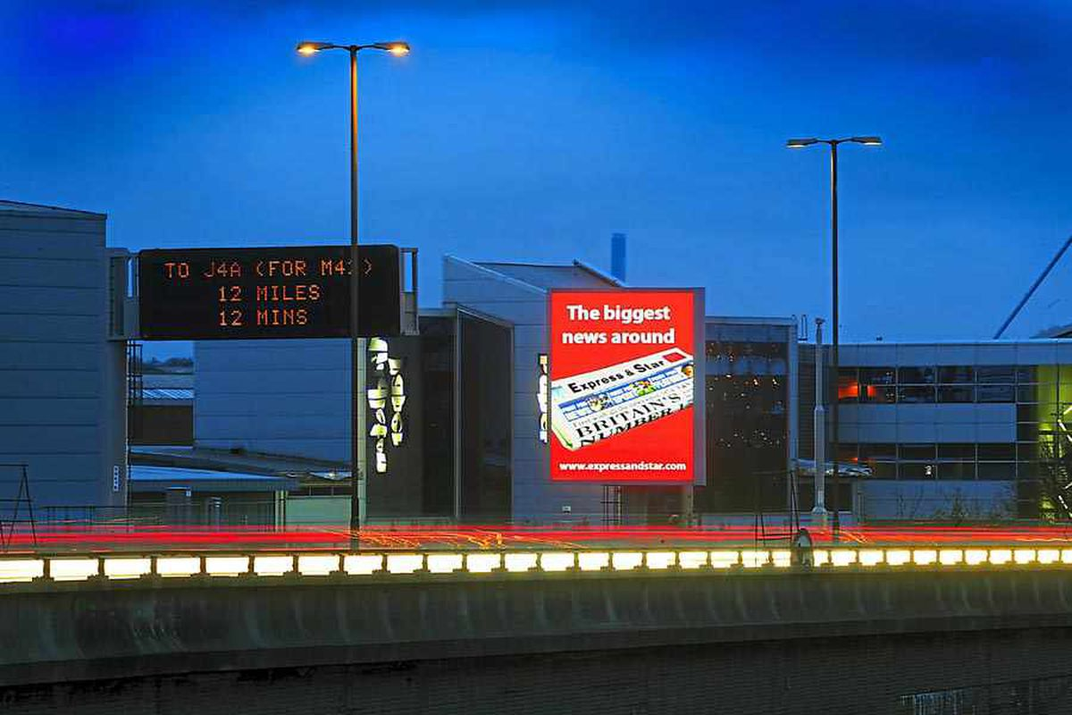Ad signs approved despite claims they are danger to motorway drivers