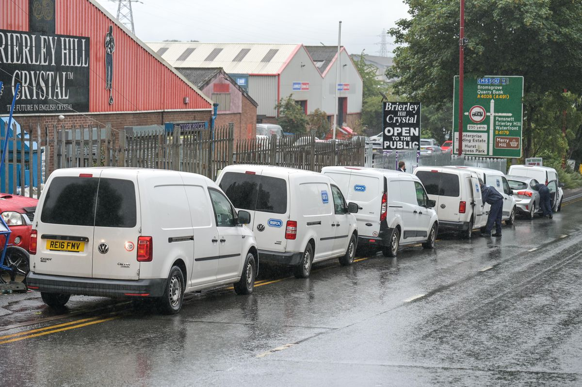 Police and RSPCA vehicles on Pedmore Road. Photo: SnapperSK