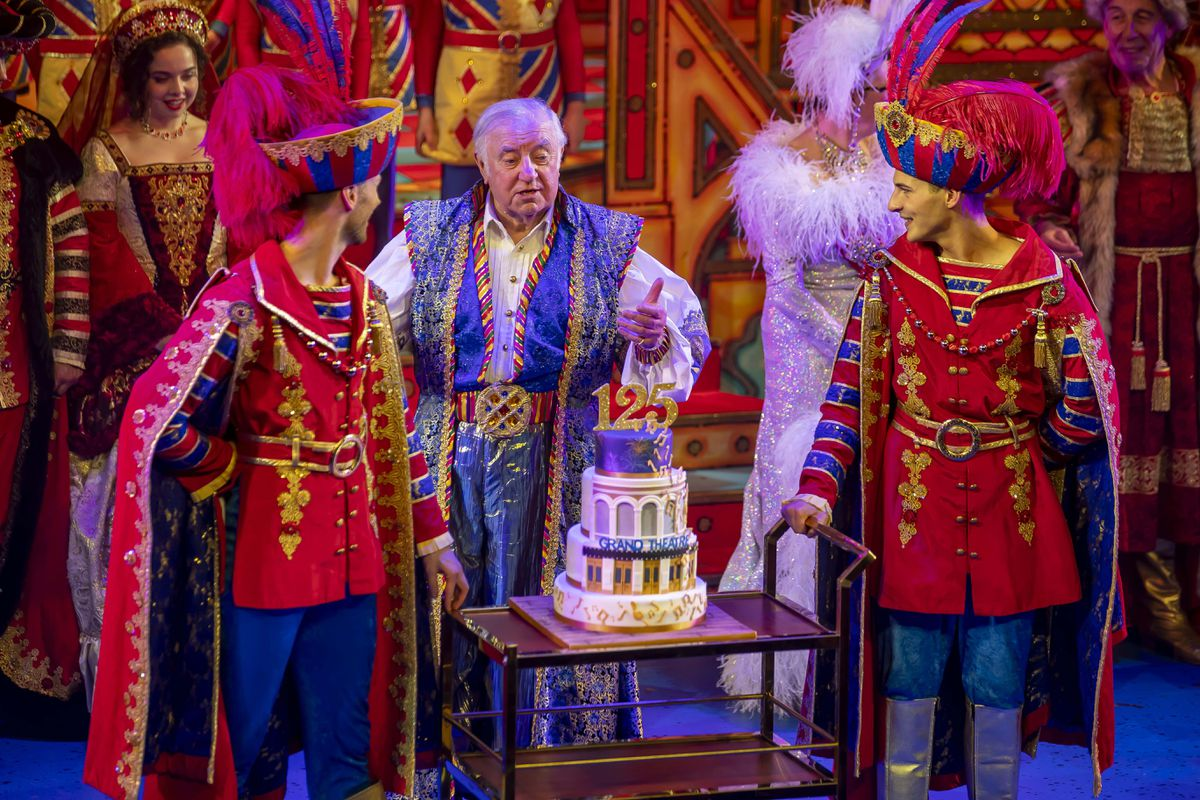 Louise Geirnaert, Jimmy Tarbuck, Joseph Roberts and the anniversary cake