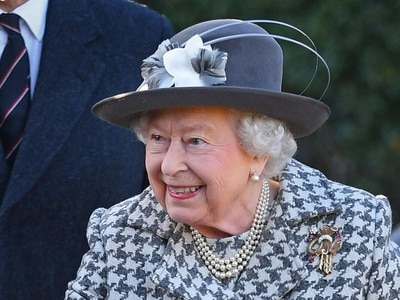 Queen smiles during first appearance after Sussexes split from royal family