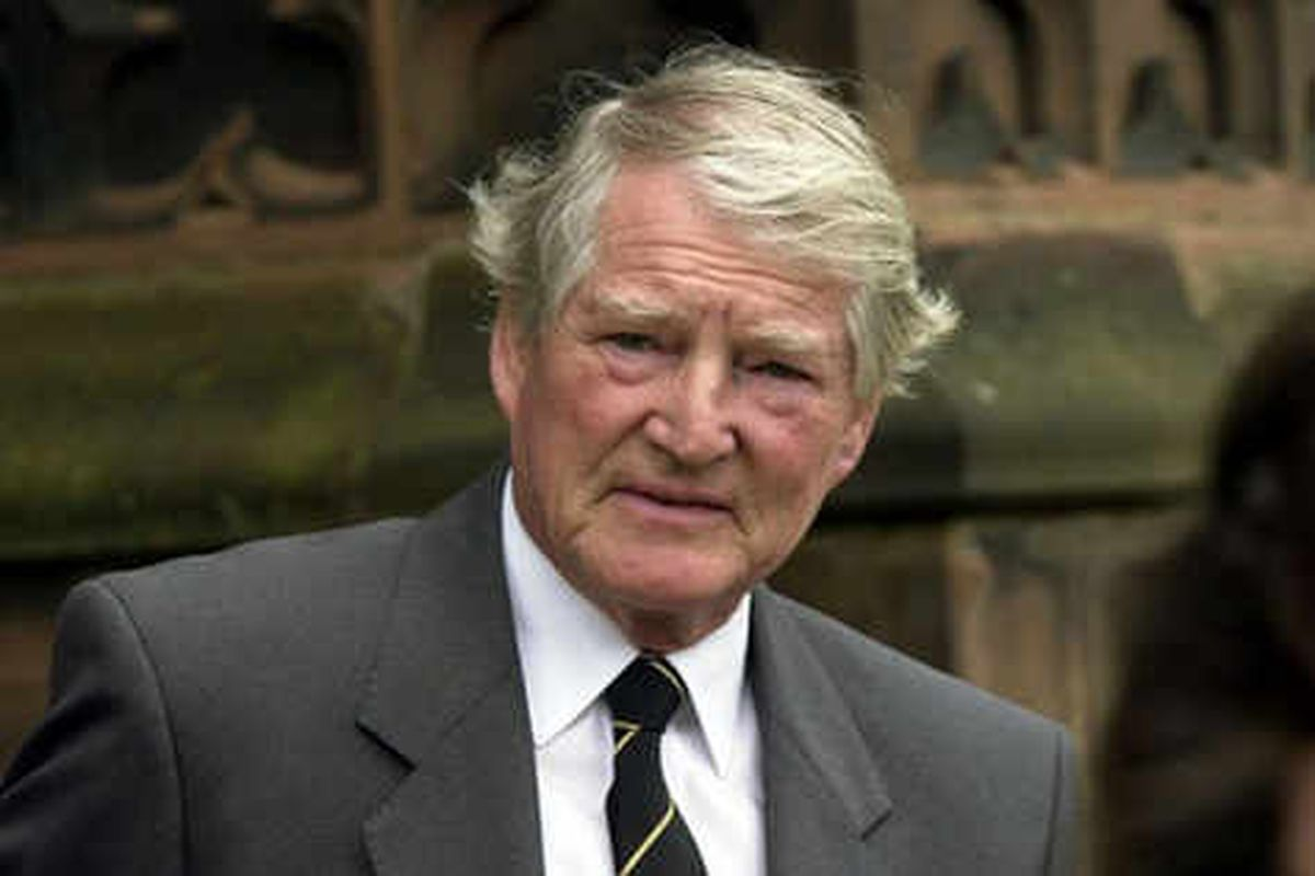 Tributes to former Wolves chief Harry Marshall