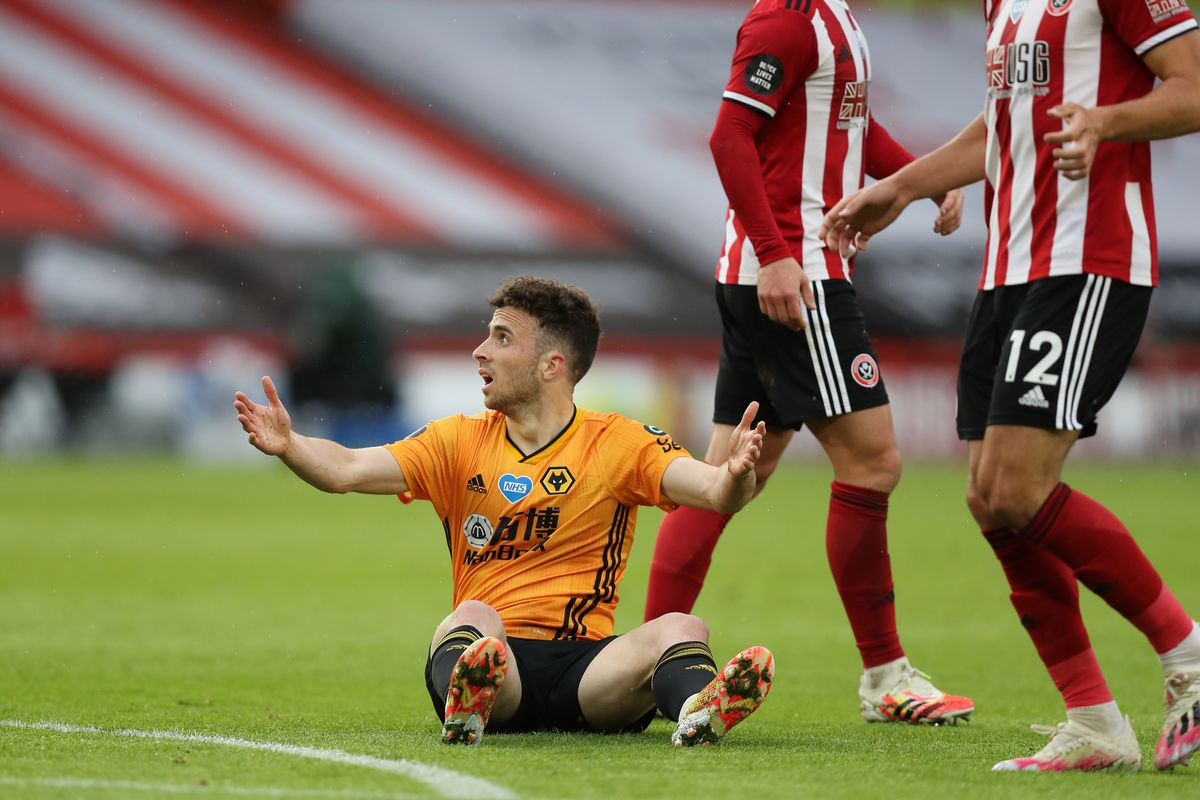 Diogo Jota of Wolverhampton Wanderers reacts after being fouled (AMA)