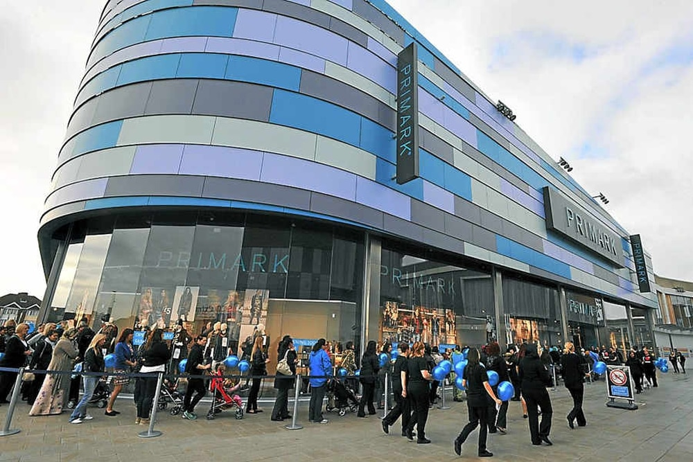 Crowds Welcome New West Bromwich Primark | Express U0026 Star