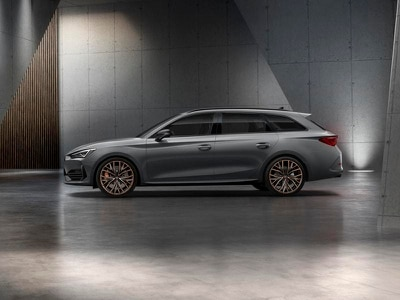 New Cupra Leon revealed with plug-in hybrid powertrain