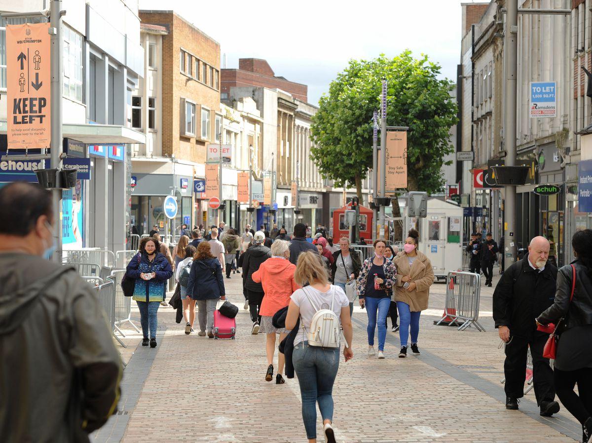 Shoppers on Dudley Street, Wolverhampton