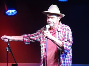 Rich Hall split his act into two sections, giving an hilarious account of his visit to Buckingham Palace in the first part