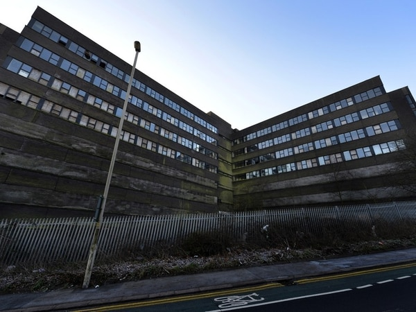 Ian Austin launches petition to speed up Cavendish House demolition
