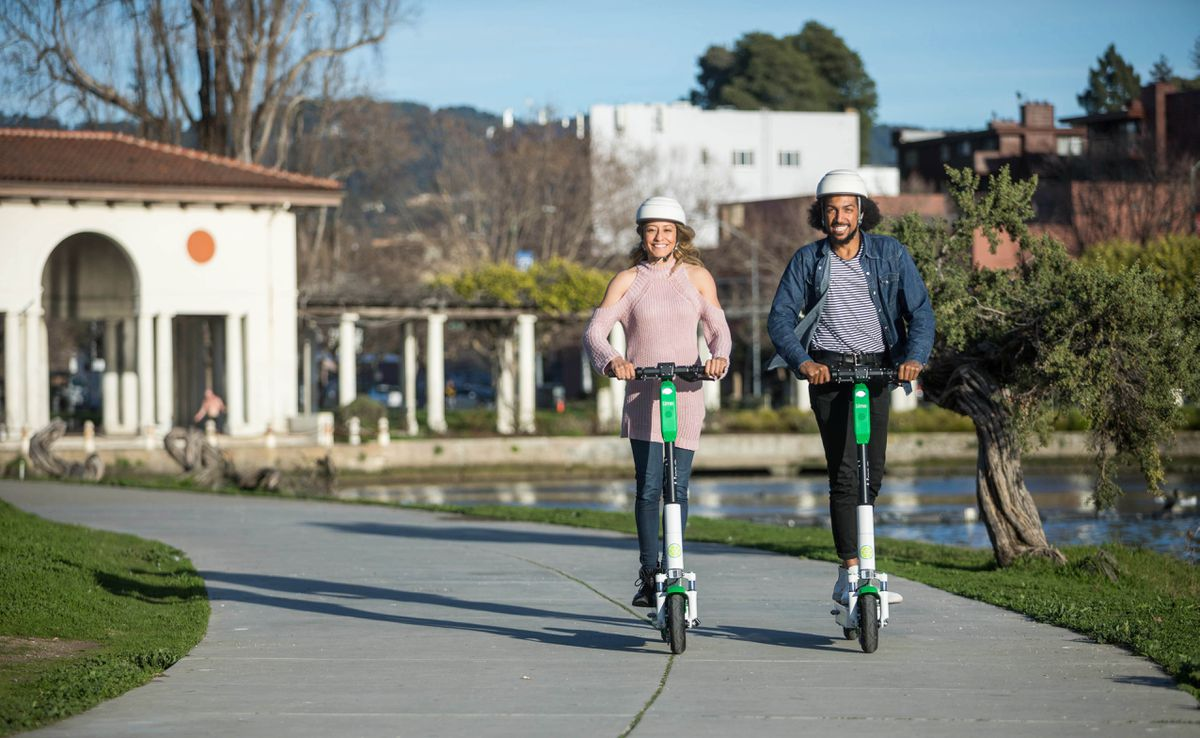 Electric scooters could replace short car journeys (Image: Kris Krug)