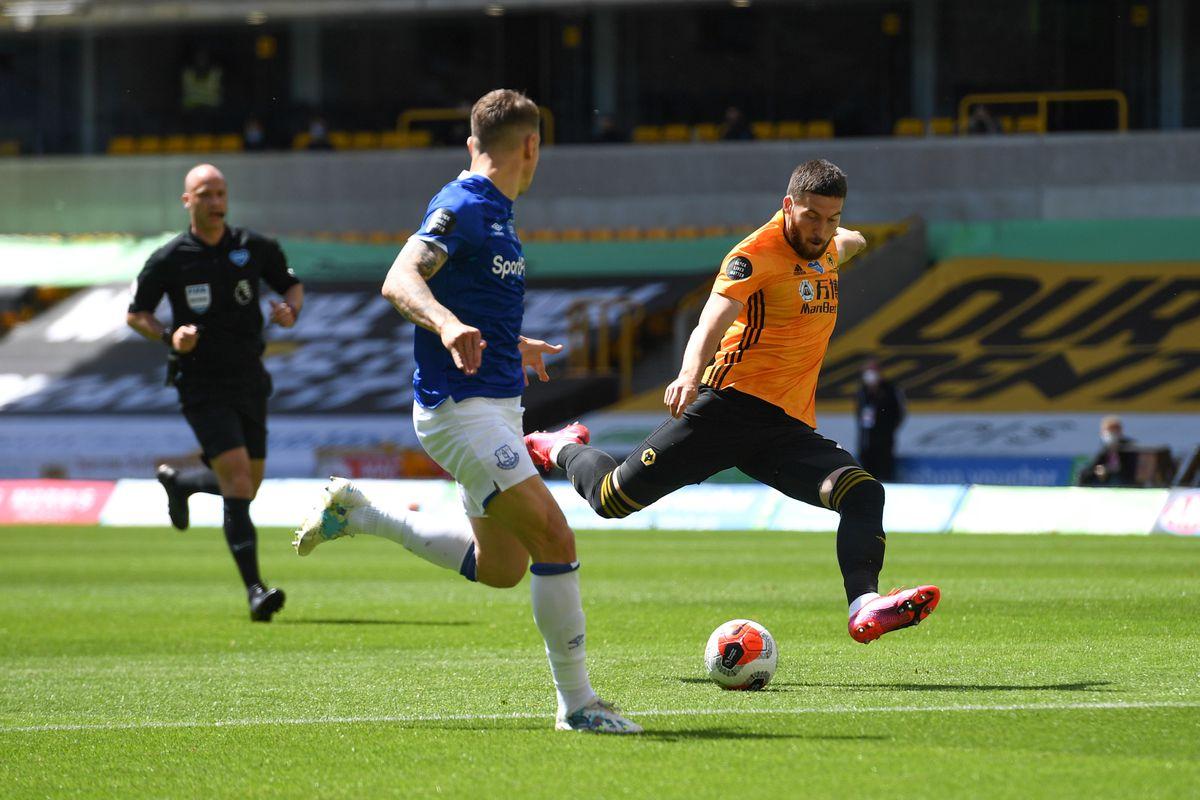 Matt Doherty of Wolverhampton Wanderers has a shot (AMA)