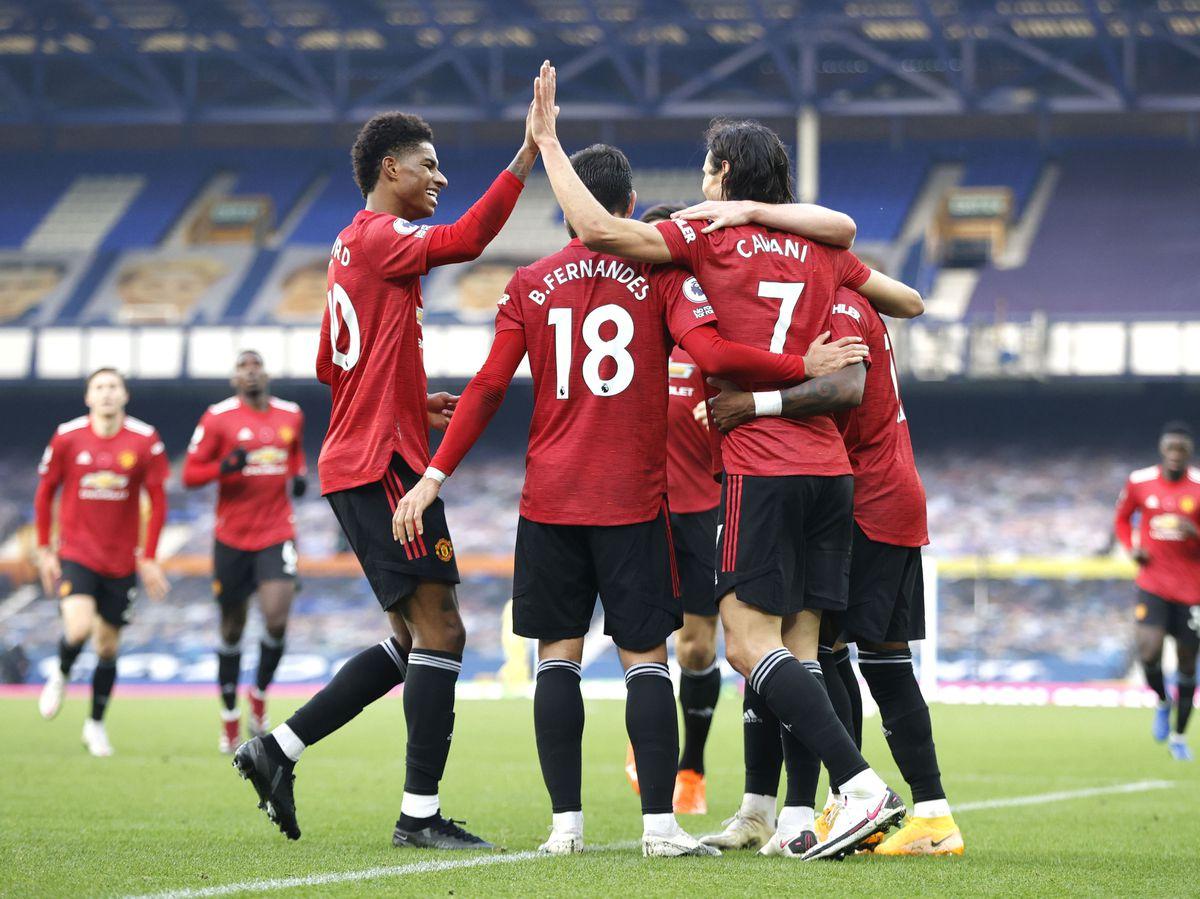 Manchester United's Edinson Cavani (right) celebrates scoring