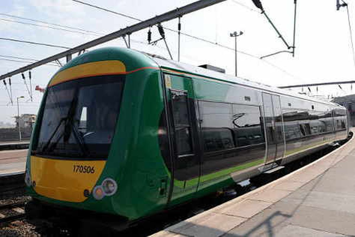 130 London Midland jobs to go as ticket office hours cut