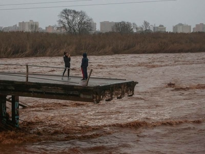 Death toll climbs to seven as Spain is battered by fierce storm