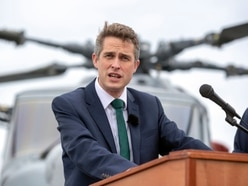 Gavin Williamson: Back Brexit deal or leave without one