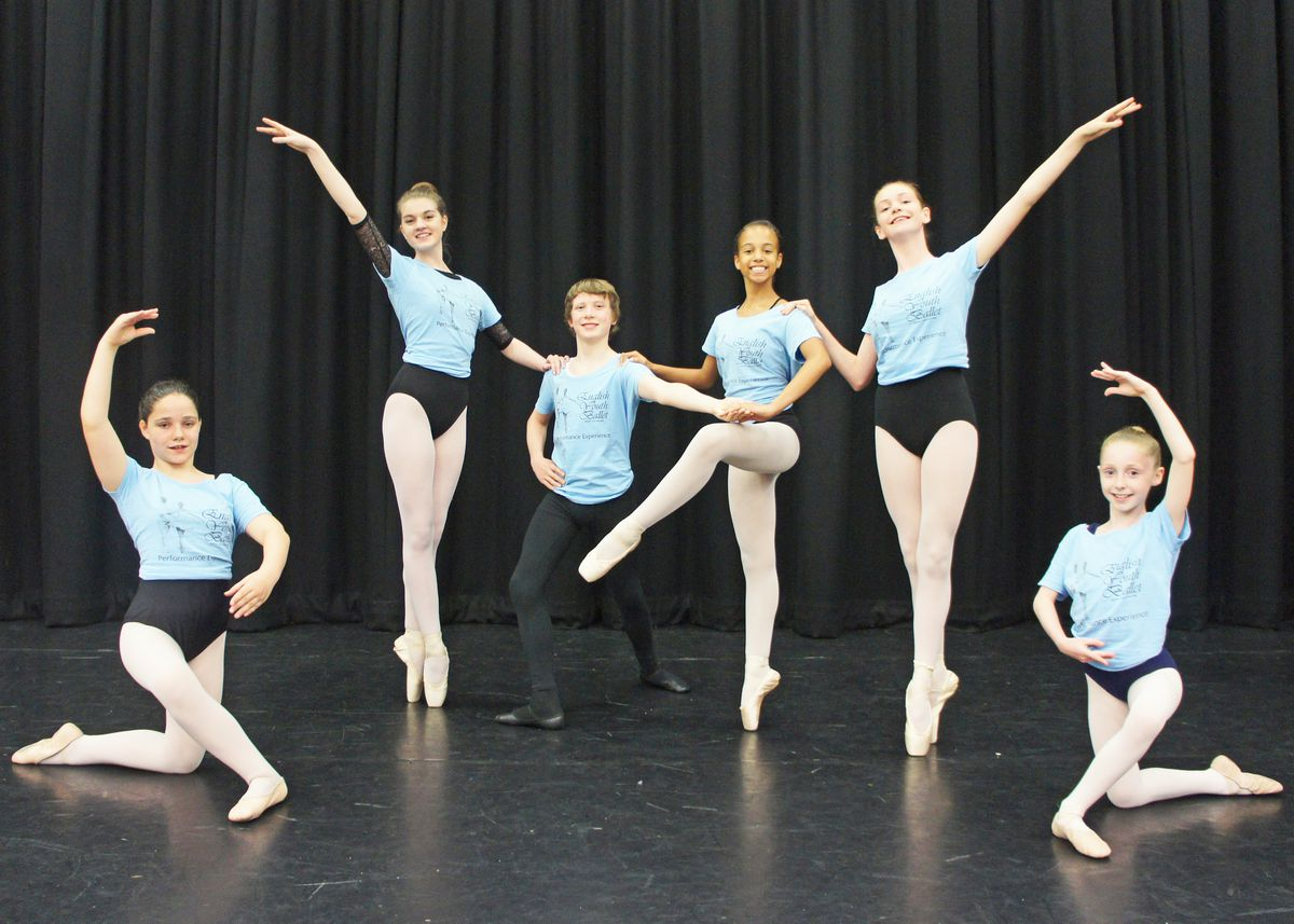 In photo (from left to right): Back line: Emily O'Connor, James Garrington, Karys Clarke, Amelia Morgan. Front line: Robyn Harding, Tiana Homer. Photo by: Ben Garner