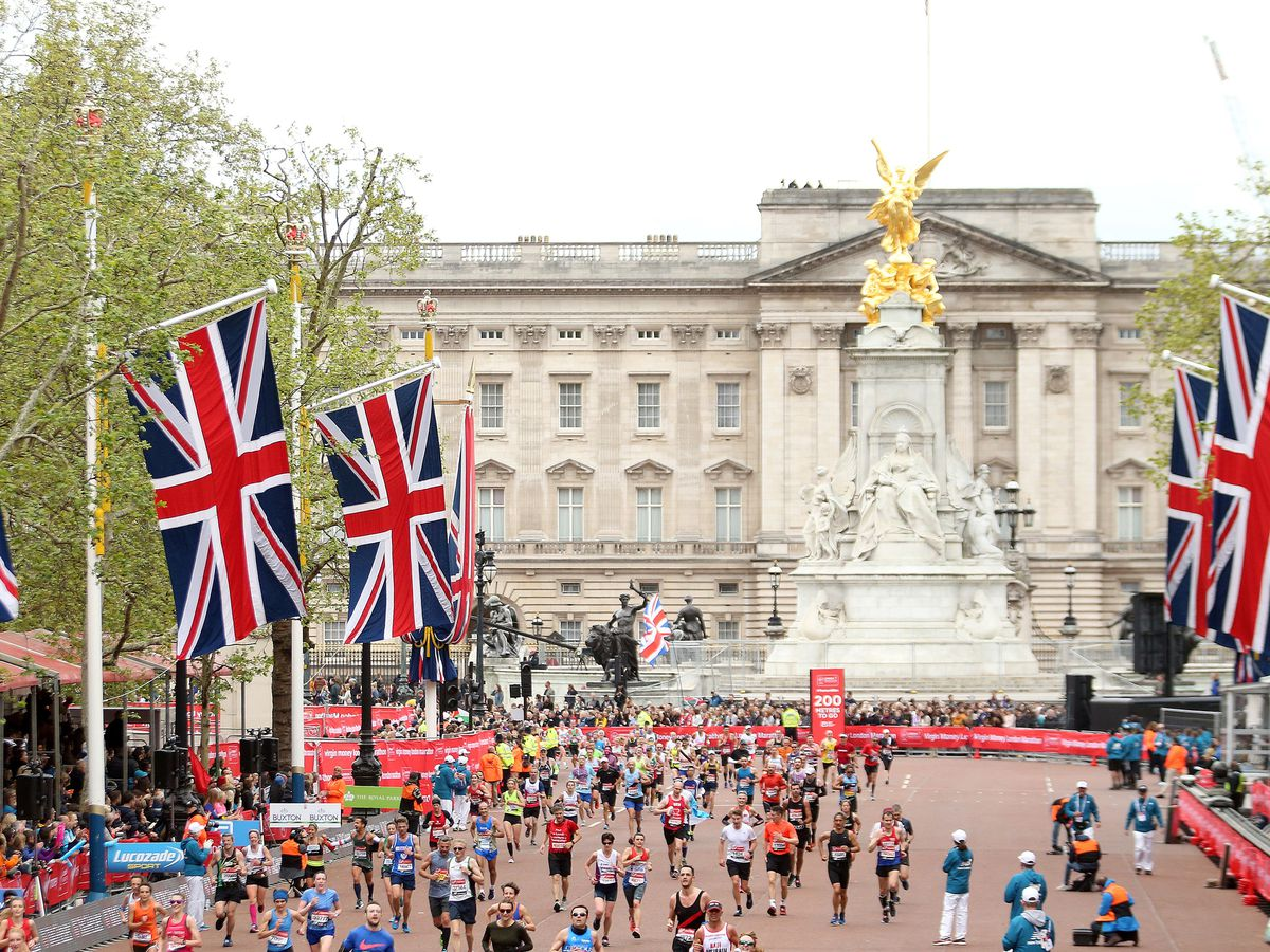 Runners during the 2019 Virgin Money London Marathon