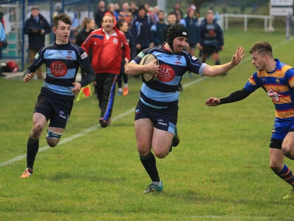 Dudley Kingswinford are out to Stoke up the title pressure