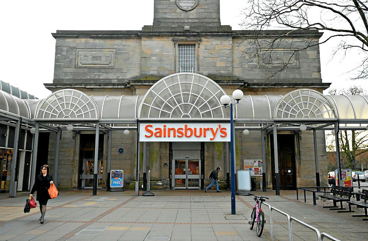How Sainsbury's looked back in 2011 before it closed and the building boarded up