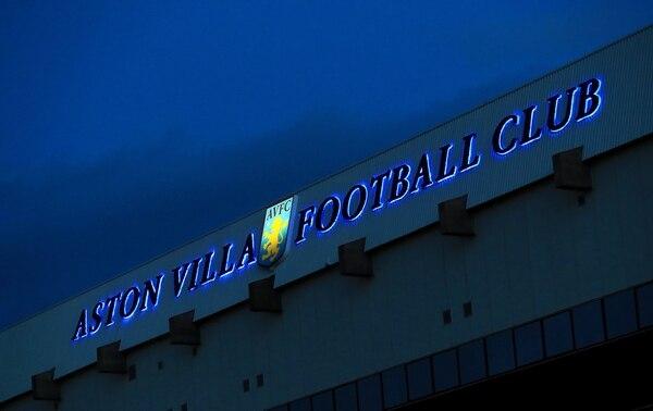 Vardy back among goals as Leicester thump Villa 4-0