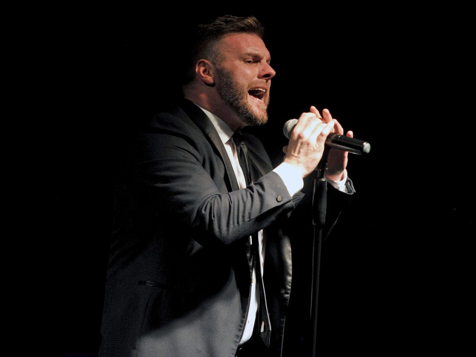 Gary Barlow tribute act Shines in Wolverhampton