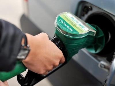 Supermarkets cut petrol prices after fall in wholesale costs
