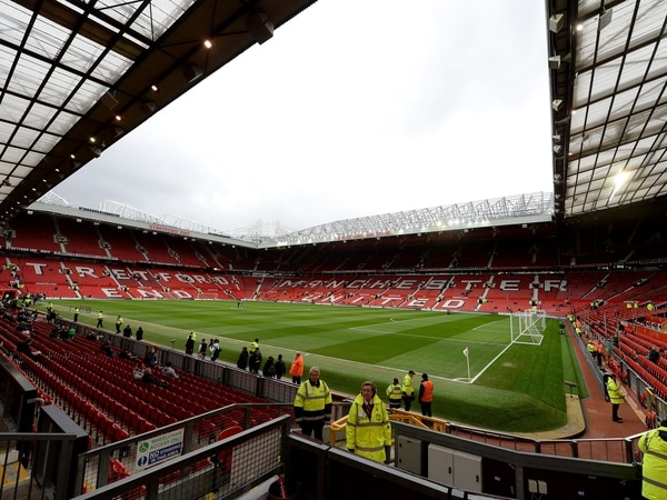 Memory Lane: Five Wolves trips to Old Trafford