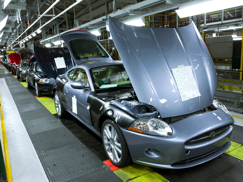 Jaguar Land Rover factory staff to move to three-day week